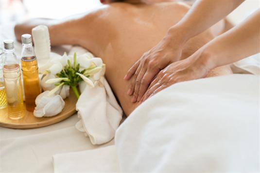 Viso kūno masažas: naudingiausių masažų rūšys ir geriausi masažų salonai