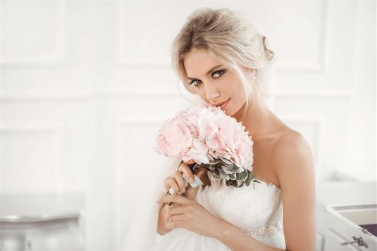 Vestuvinės šukuosenos - 2021 metų tendencijos