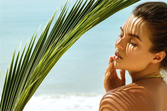Domini salonas: apie būtinas veido procedūras vasarą ir teisingą deginimąsi