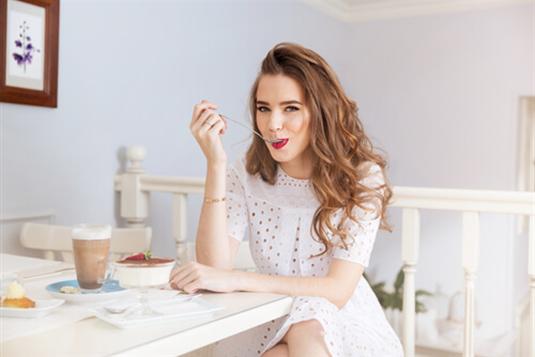 Kokią įtaką turi cukrus mūsų veido odai?